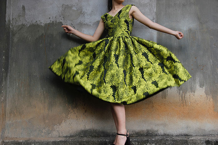 Sukienka imitująca wężową skórę