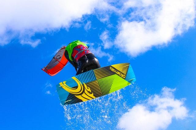 kitefurfing